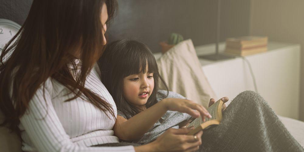 anak menceritakan buku yang dibaca