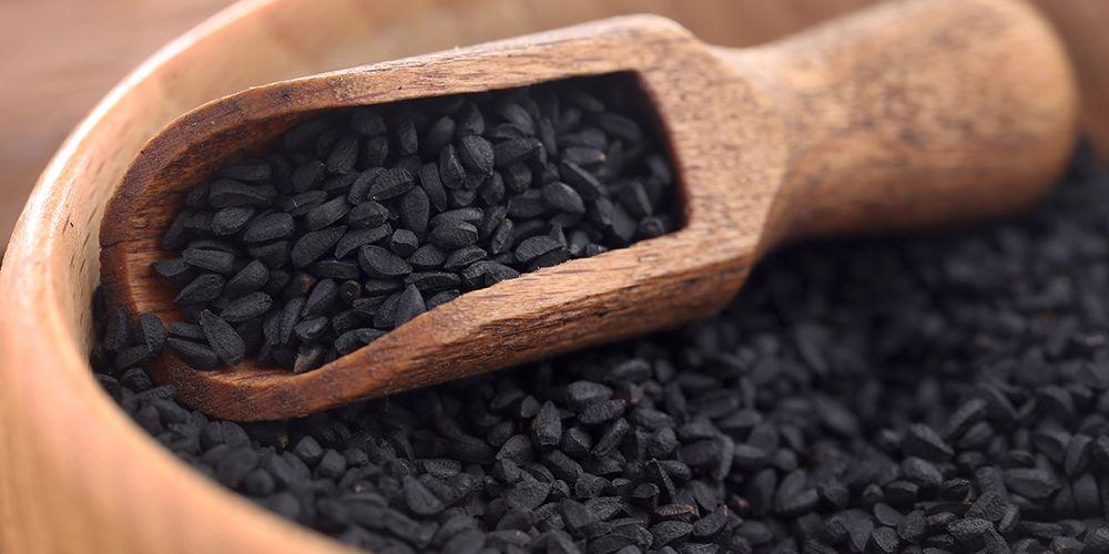 Sebagai salah satu obat asma alami, jintan hitam dapat membantu meningkatkan fungsi saluran napas