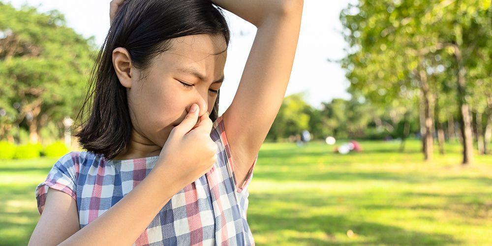 Rambut bau matahari adalah aroma khas yang muncul setelah seseorang terlalu lama beraktivitas di bawah sinar matahari