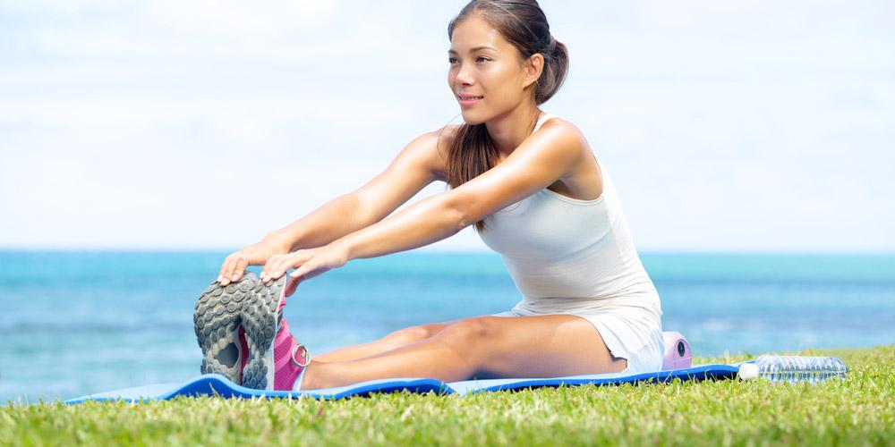 Luruskan kaki saat duduk, cara menghilangkan nyeri haid