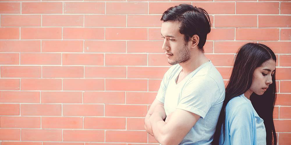 Sulit mengungkapkan perasaan juga menjadi salah satu penyebab pria ilfeel