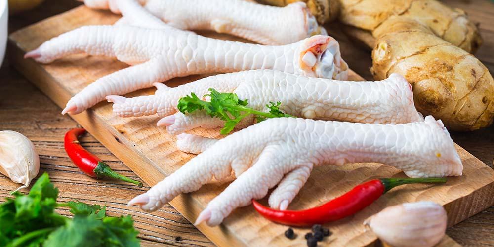Kaldu dari tulang ayam sangat populer di Indonesia