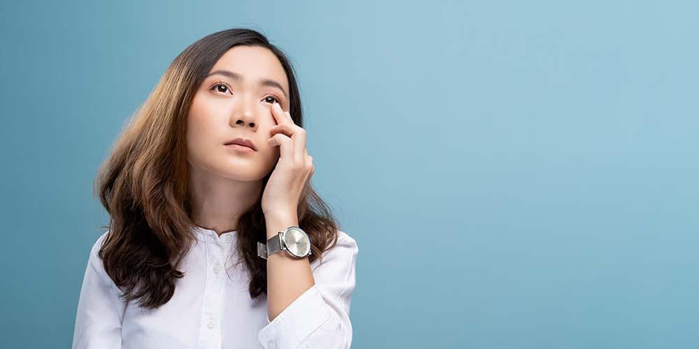 Penyebab iritasi mata adalah paparan asap lingkungan