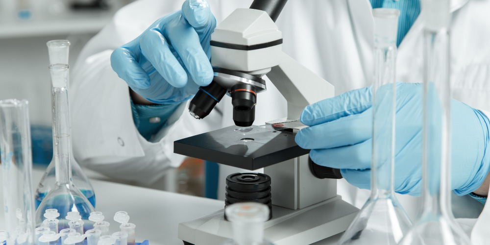 Biopsi sel tumor jinak atau ganas