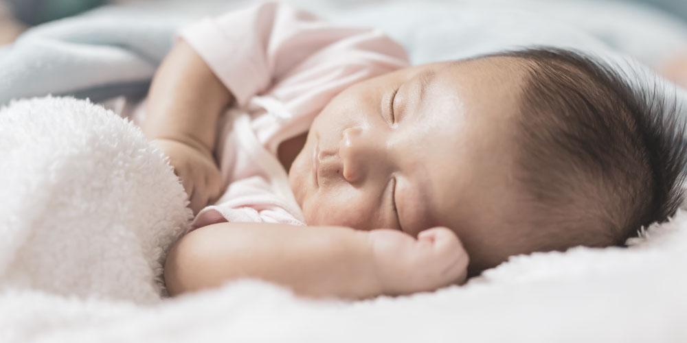 penggunaan selimut bayi sebaiknya dihindari