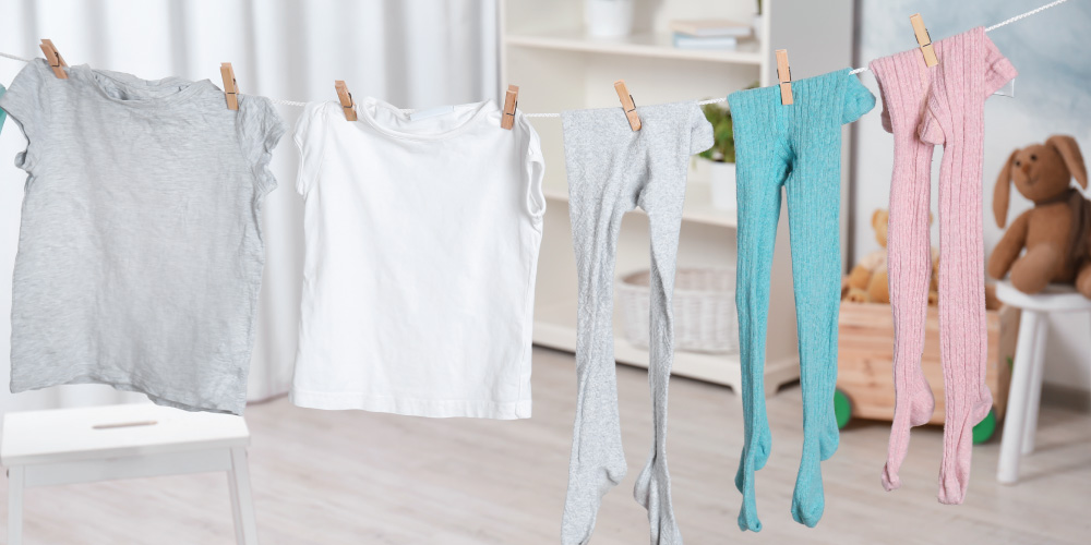 Cara menghilangkan bau matahari adalah dengan mengganti pakaian