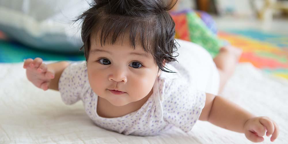 Pendengaran bayi semakin jelas saat memasuki usia 3 bulan