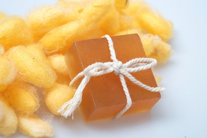 Gliserin adalah senyawa kimia yang dulu dapat ditemukan dalam sabun