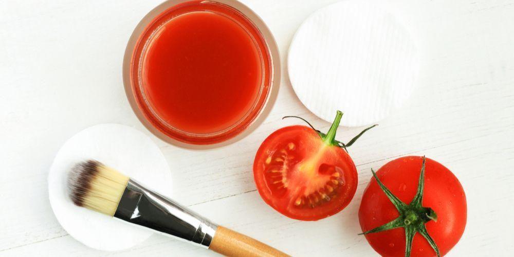 Tomat juga berfungsi sebagai masker alami untuk kulit berminyak
