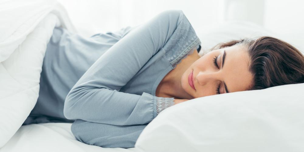 Cara menghilangkan mata panda adalah dengan tidur yang cukup