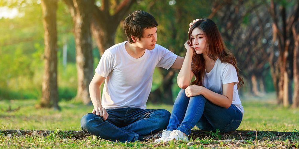 Pria yang jatuh cinta biasanya akan selalu mendukung langkah orang yang dicintainya