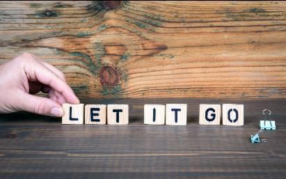 Tulisan let it go untuk melupakan masa lalu