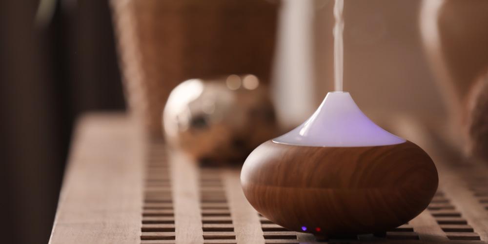 Humidifier membuat udara lembap sehingga membantu mengencerkan dahak
