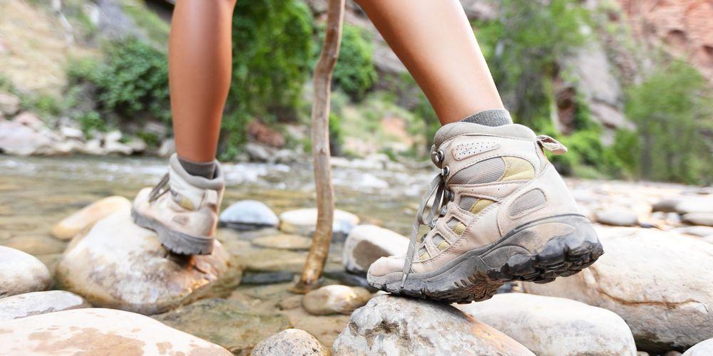 pilih sepatu hiking yang tepat