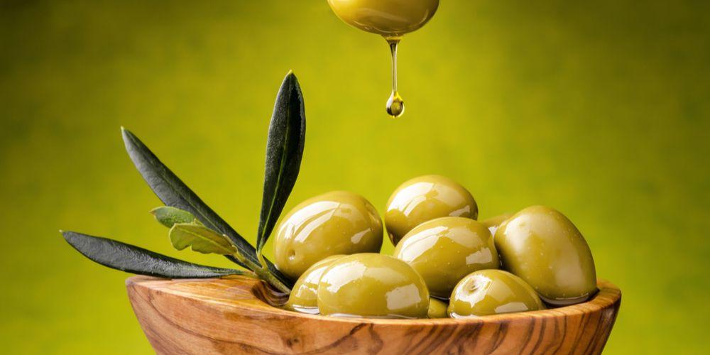 Manfaat minyak zaitun untuk bibir perlu dicek terlebih dulu pada bagian kulit lain