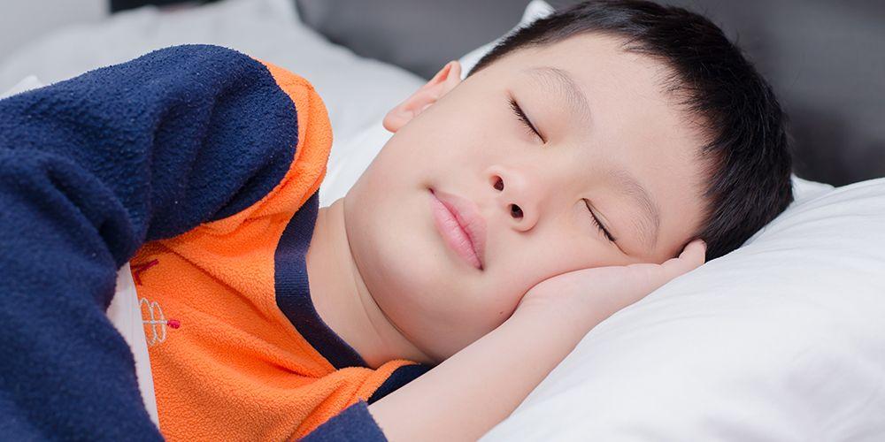 seorang anak sedang tertidur