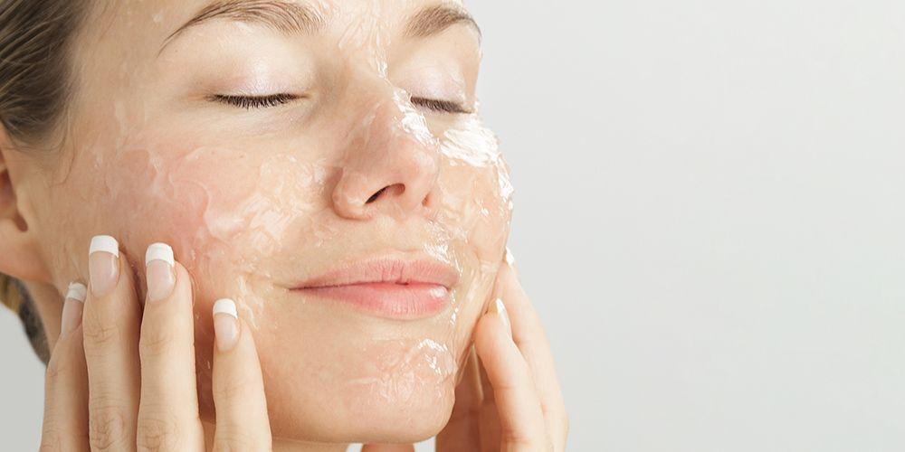 Gunakan masker wajah sebagai tips cantik saat lebaran