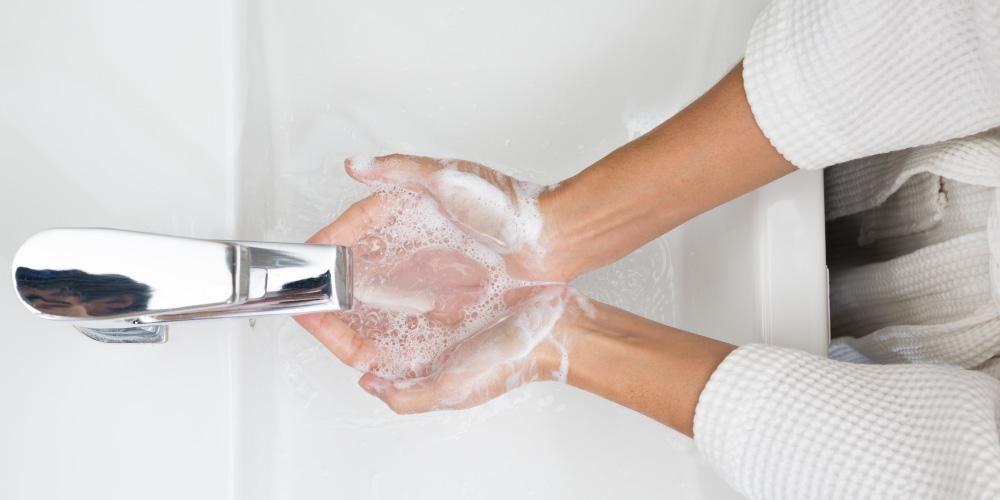 Mencuci tangan salah satu cara menjaga kebersihan diri