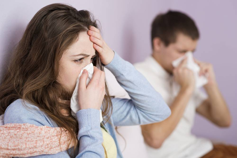 Orang yang rentan terinfeksi virus corona sebaiknya menghindari orang yang sedang sakit