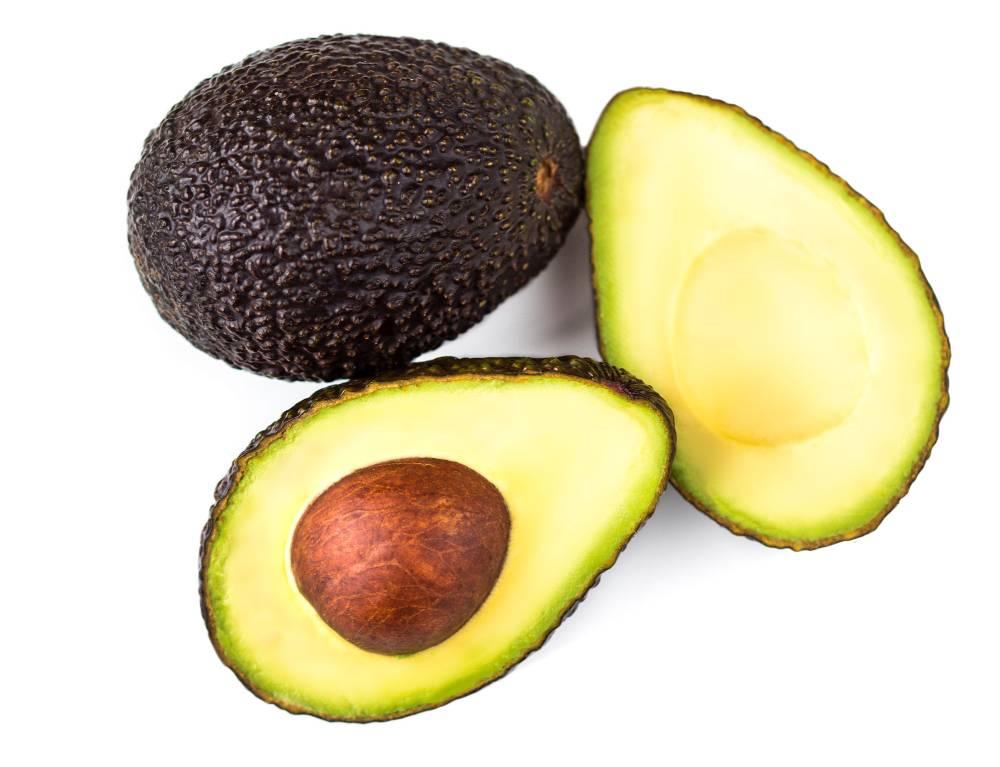 Cara memilih alpukat berikutnya adalah perhatikan tekstur kulit buahnya