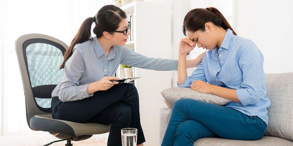 Jika ciri-ciri bipolar mulai dirasakan, sebaiknya konsultasi ke dokter