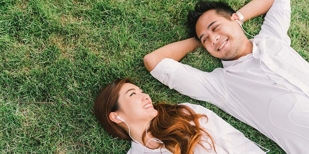 Merencanakan jadwal kencan adalah cara menghadapi pacar sibuk kerja lainnya