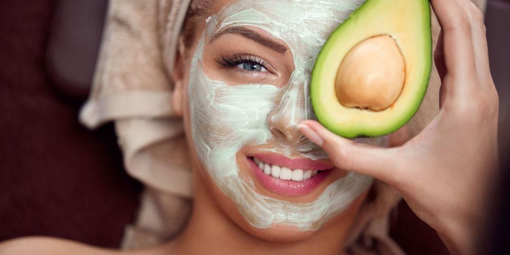 Masker alpukat untuk kulit berjerawat dan kulit sensitif