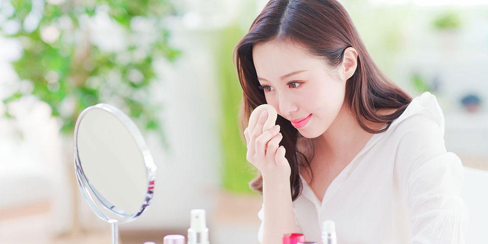 Bedak untuk kulit sensitif sebaiknya tidak mengandung wewangian