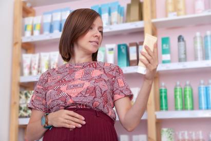 Kandungan skincare yang tidak boleh untuk ibu hamil adalah retinoid
