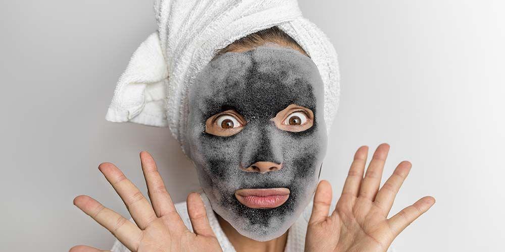 Cara memakai masker wajah gelembung sama seperti sheet mask
