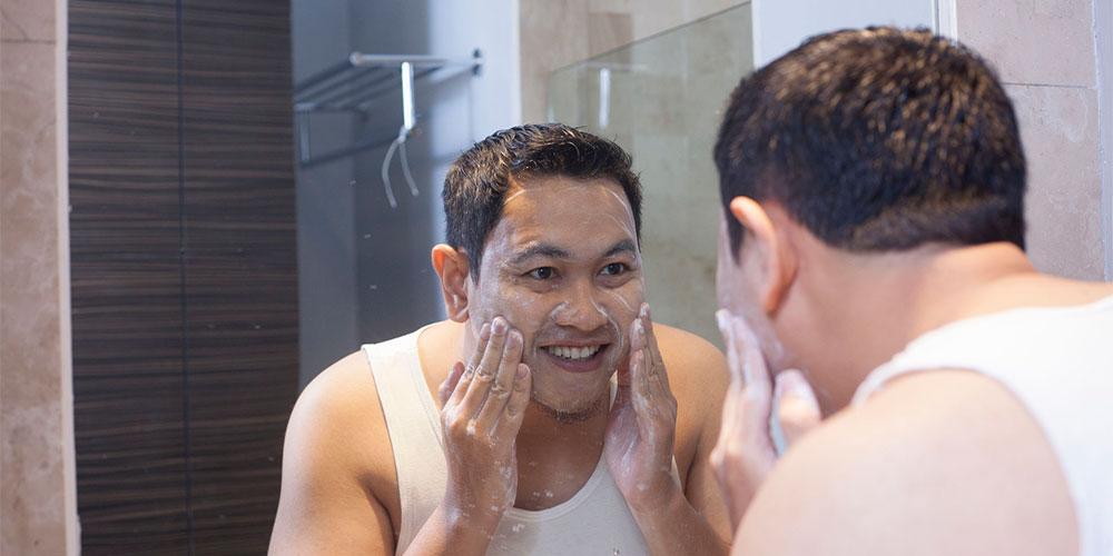 Manfaat garam untuk wajah dapat mengangkat sel-sel kulit mati