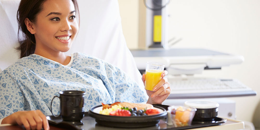 Mengonsumsi makanan bergizi bukan pantangan setelah operasi angkat rahim