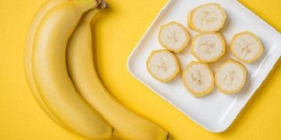 Manfaat pisang untuk diare dapat membuat tekstur feses jadi lebih padat