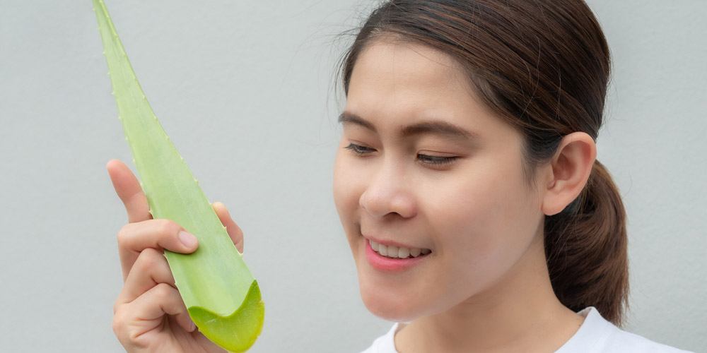 cara membuat toner alami dari gel lidah buaya untuk kulit kering