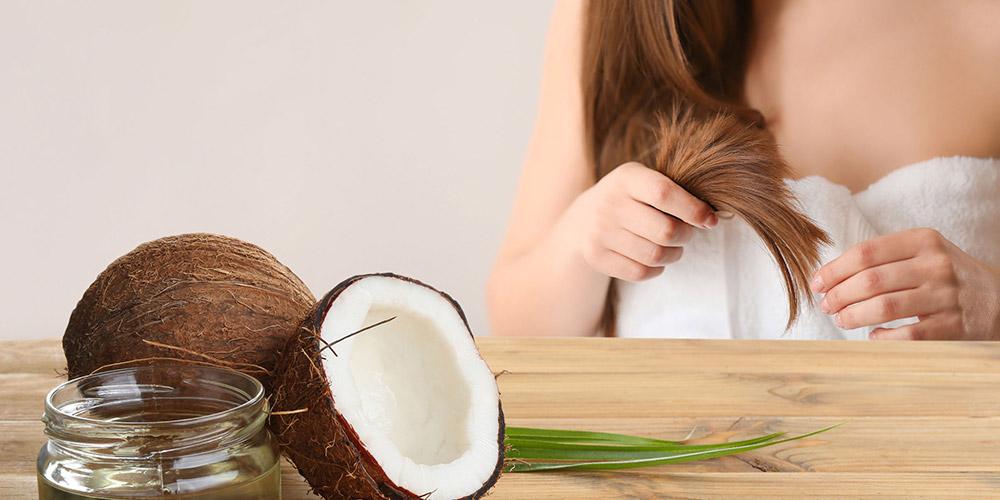 Minyak kelapa bisa dijadikan sebagai cara menghaluskan rambut secara alami