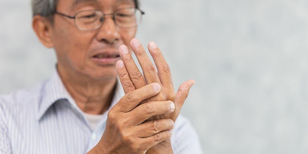 tangan gemetar termasuk kedalam gejala parkinson