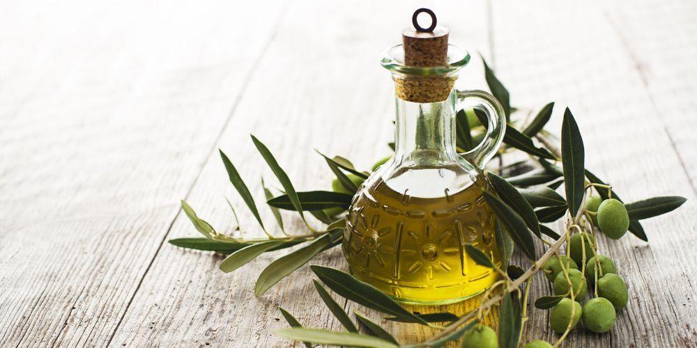 Minyak zaitun bahan alami untuk resep awet muda