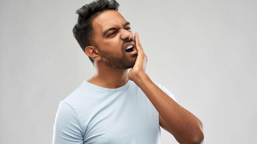 Rahang kaku dan berbunyi dapat disebabkan tetanus