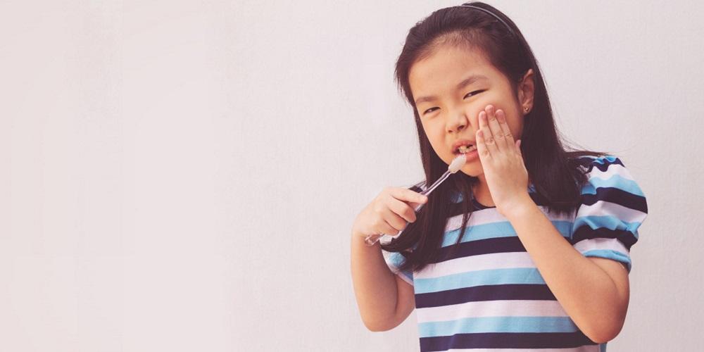 gigi anak berlubang