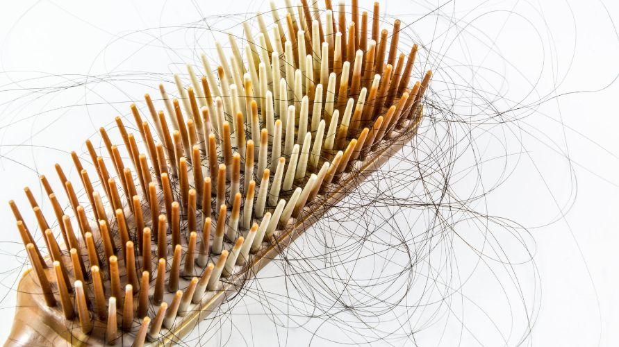 Rambut anak rontok bisa disebabkan kebiasaan menarik rambut