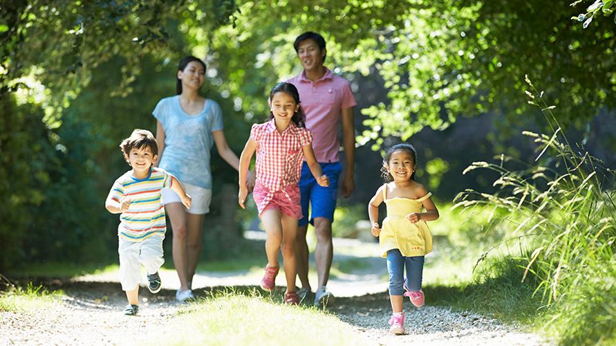 Menanyakannya langsung pada yang bersangkutan merupakan cara terbaik mendapatkan riwayat kesehatan keluarga