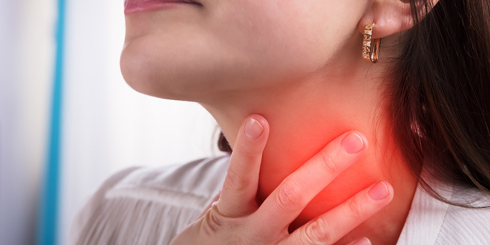 Tenggorokan terasa mengganjal dan sesak adalah salah satu gejala GERD