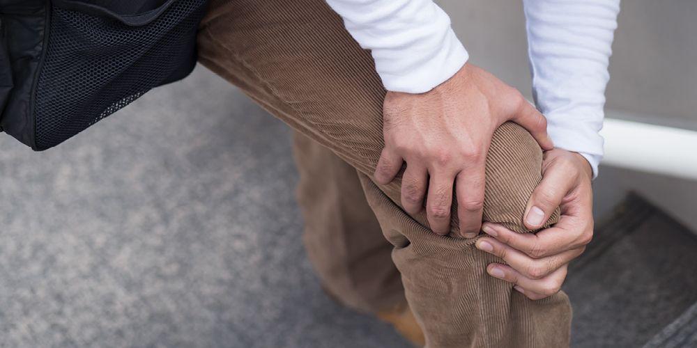 Lutut sakit saat ditekuk bisa disebabkan oleh tendonitis patela