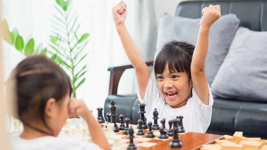 anak main catur