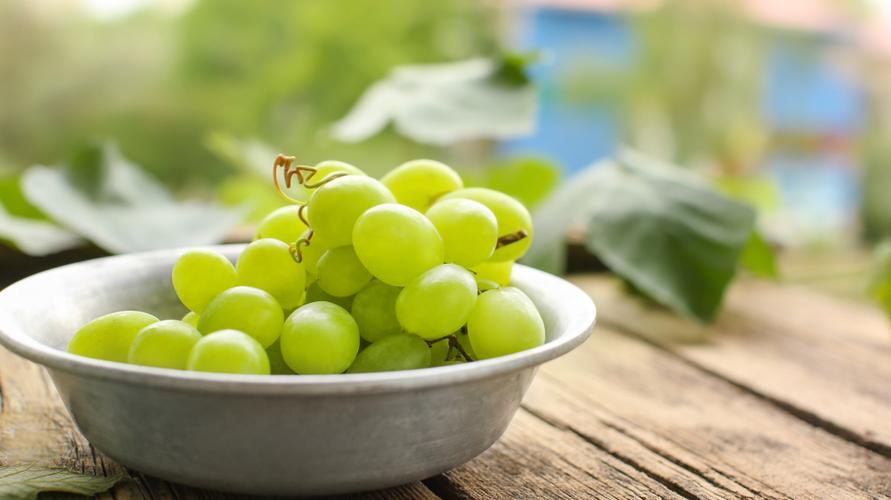 Dalam sehari, asupan anggur hijau yang aman sebanyak 16 butir