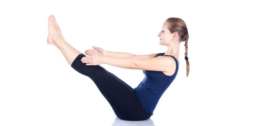 Gerakan yoga naukasana