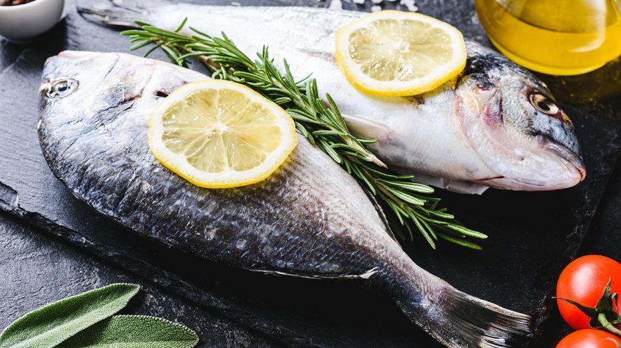 Ikan dan lemon