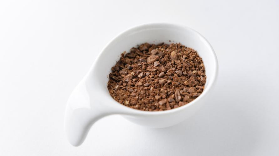 Sebaiknya pilih biji kopi yang digiling kasar untuk mendapatkan rasa cold brew coffee terbaik