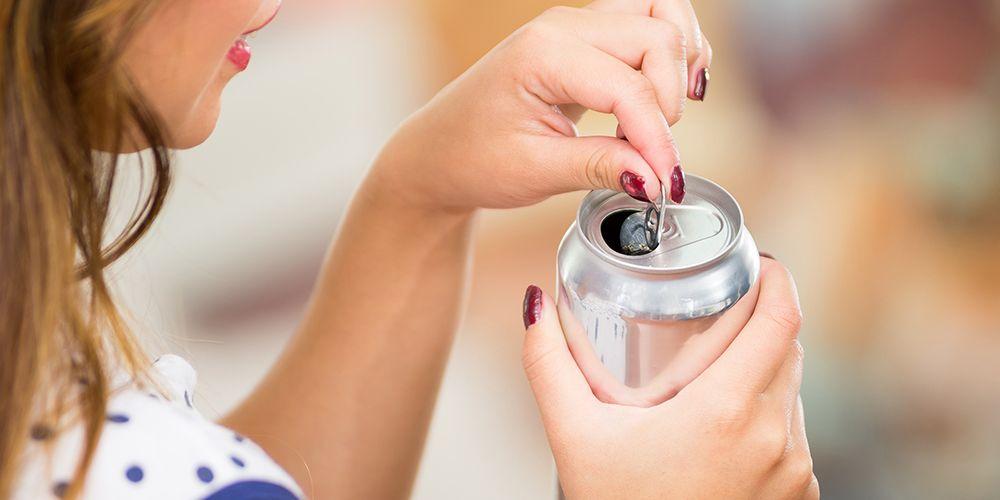 Mencampur alkohol dengan susu dan soda bisa berbahaya