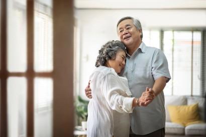 Companionate love melibatkan komitmen jangka panjang